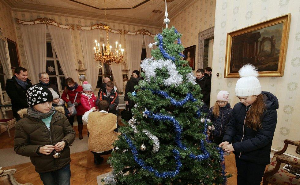 Státní zámek Ploskovice, vánoční oživlé prohlídky, 2019