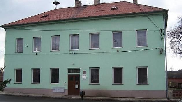 Obecní úřad v Lukavci.