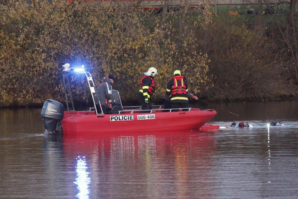 Havárie letadla do řeky Labe u Křešic