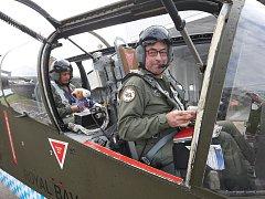 Do Roudnice přiletěli první účastníci víkendové Air Show.