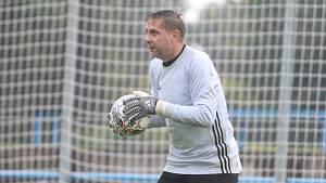 Brankář Tomáš Loubal v akci