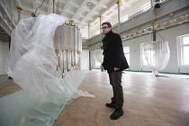 Rekonstrukce sálu a dalších prostor kulturního centra Lovoš jde do finiše.