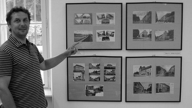 TEREZÍNSKÁ VÝSTAVA. Do konce srpna potrvá v nformačním centru výstava historických fotografií,Terezínska, která je součástí Josefínských slavností 2007 k 227. výročí založení města. Na snímku je organizátor výstavy Bohumil Krajča z Okrášlovacího spolku Te