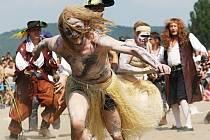 Dobývání jezera piráty v Úštěku