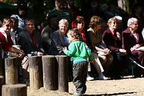 Komunisté tradičně slavili 1. květen v Jiráskových sadech.