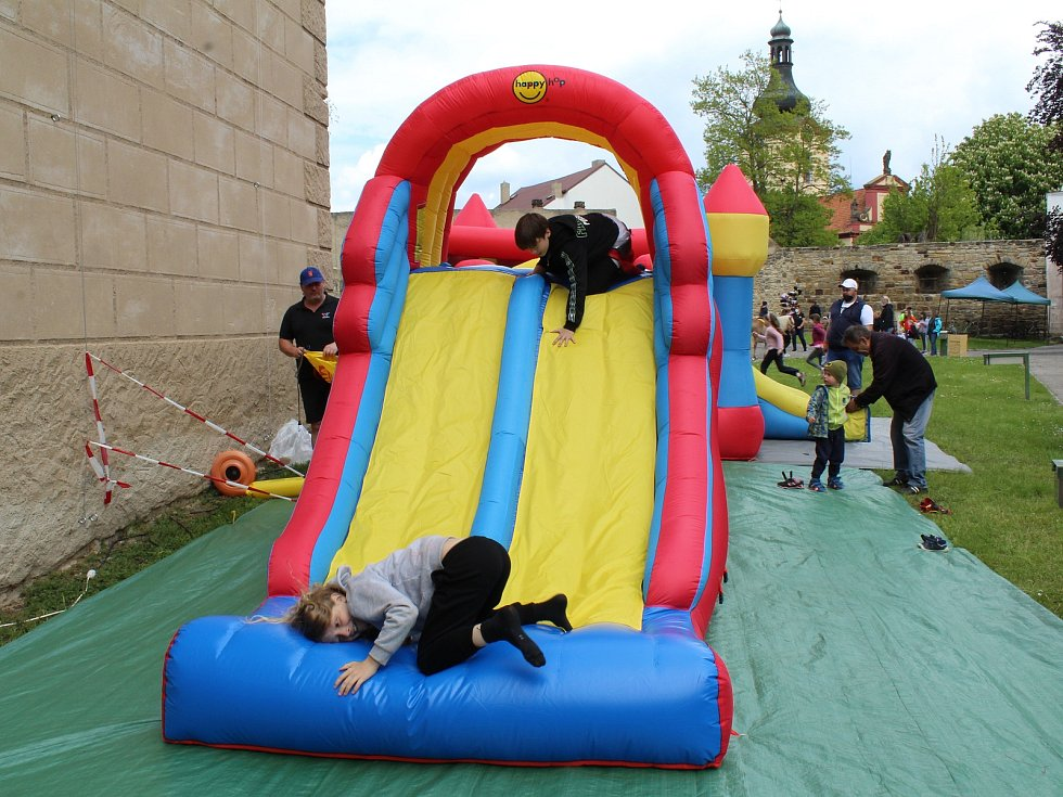 Na Vodním hradě v Budyni nad Ohří se v sobotu konal Den dětí.