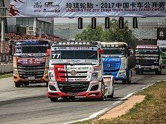David Vršecký ovládl závody tahačů v Číně.