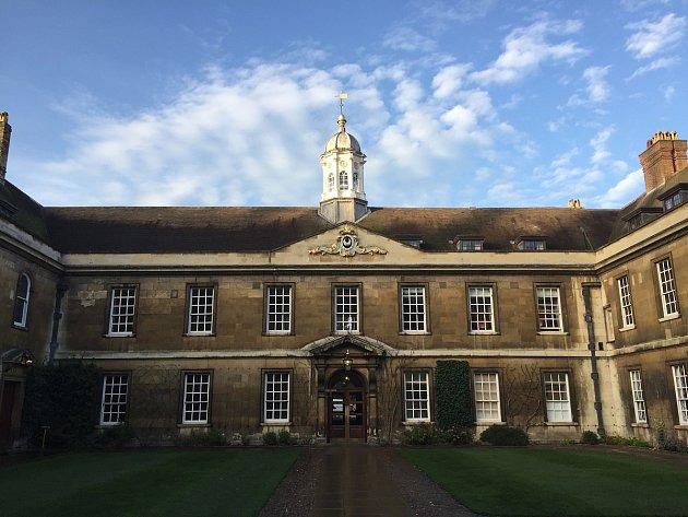 JONÁŠ FIALA bude studovat na Trinity College (česky Kolej Nejsvětější Trojice).