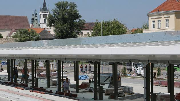 Rekonstrukce autobusového nádraží v Litoměřicích postupuje podle plánů.