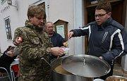Roudnická rybí polévka pomáhala charitě