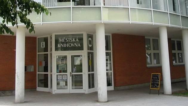 Městská knihovna Štětí.