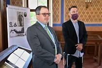 V úštěcké synagoze zahájil výstavu o Masarykovi izraelský velvyslanec Daniel Meron