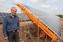 V blízkosti Ústí nad Labem u jezera Milada vyrůstá největší sluneční elektrárna na severu Čech.
