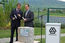 Slavnostní akt u příležitosti zahájení stavby nové haly.