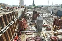 Výstavba vodní elektrárny na Labi v Píšťanech.