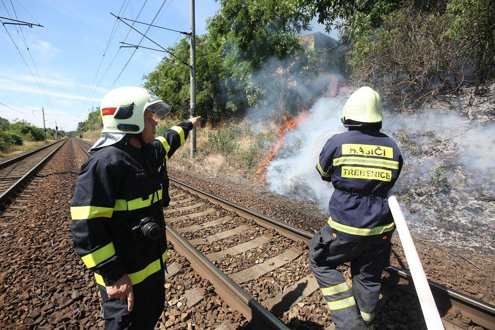 Velký požár mezi Lovosicemi a Ústím nad Labem