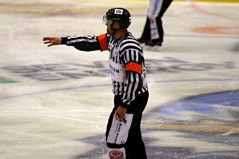 Hokej ilustrační, kam za sportem ilustrační. Rozhodčí ilustrační