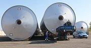 Přeprava nadměrného nákladu několika pivních tanků pro Plzeňský pivovar.