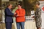 Zástupci Českého červeného kříže a představitelé Litoměřic ocenili dobrovolné dárce krve