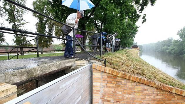 POVODNĚ JSOU PRO TEREZÍN MINULOSTÍ. Dokončení výstavby protipovodňových opatření městu zajistilo ochranu před přílivem další ničivé vody.