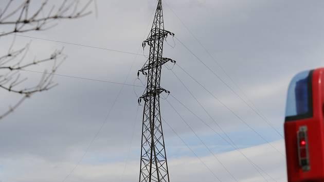 Litoměřicko a Děčínsko trápí dočasné výpadky elektřiny. Kvůli větru