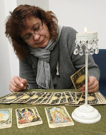 Kartářka Štěpánka Tothová předpověděla, jaký bude rok 2013.