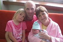 Ditě a Petrovi Holubovým z Liběšic se v litoměřické porodnici 12. května v 0.14 hodin narodil syn Petr Holub. Měřil 49 cm a vážil 3,34 kg. Na snímku i se sestrou Hanou. Blahopřejeme!