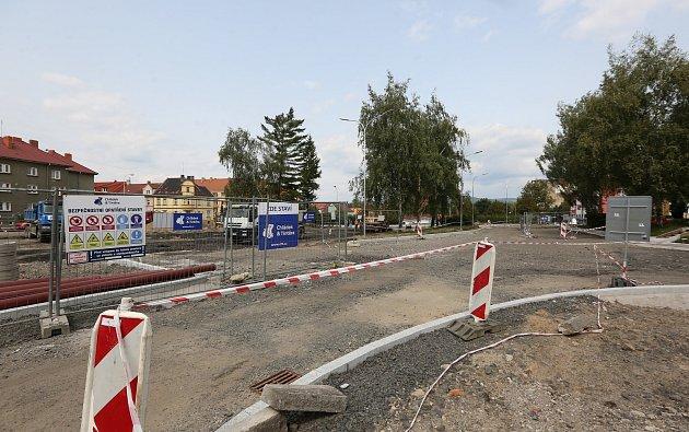 Rekonstrukce autobusového nádraží pokračuje vtermínu.