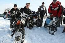 Motocykly a čtyřkolky v Sulejovicích.