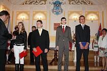 Předávání maturitních vysvědčení na VOŠ A SOŠ v  Roudnici nad Labem.