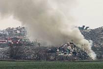 Opět hořela skládka komunálního odpadu u Želechovic.