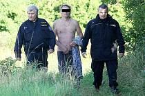 Policisté zachránili život muži, jenž chtěl spáchat sebevraždu. Ilustrační foto