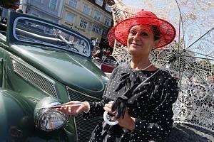 Na roudnickém náměstí se v sobotu konal tradiční sraz autoveteránů.