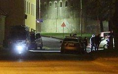 Policie vyjela do Bechlína kvůli incidentu mezi cizinci ubytovanými na zdejší ubytovně.