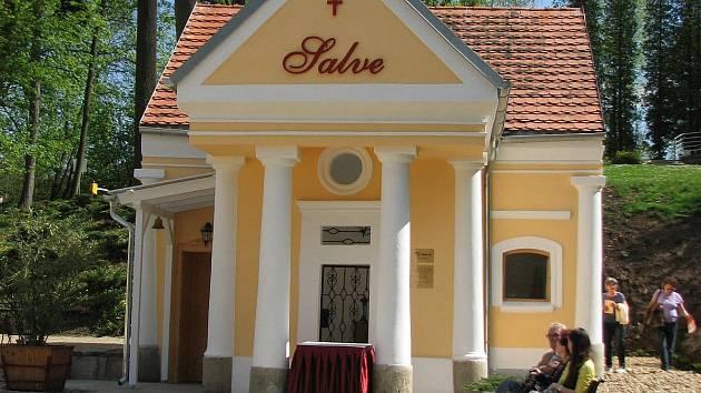 Letošní slavnost zvýraznilo otevření kaple Salve, kterou přijel posvětit kardinál Dominik Duka.