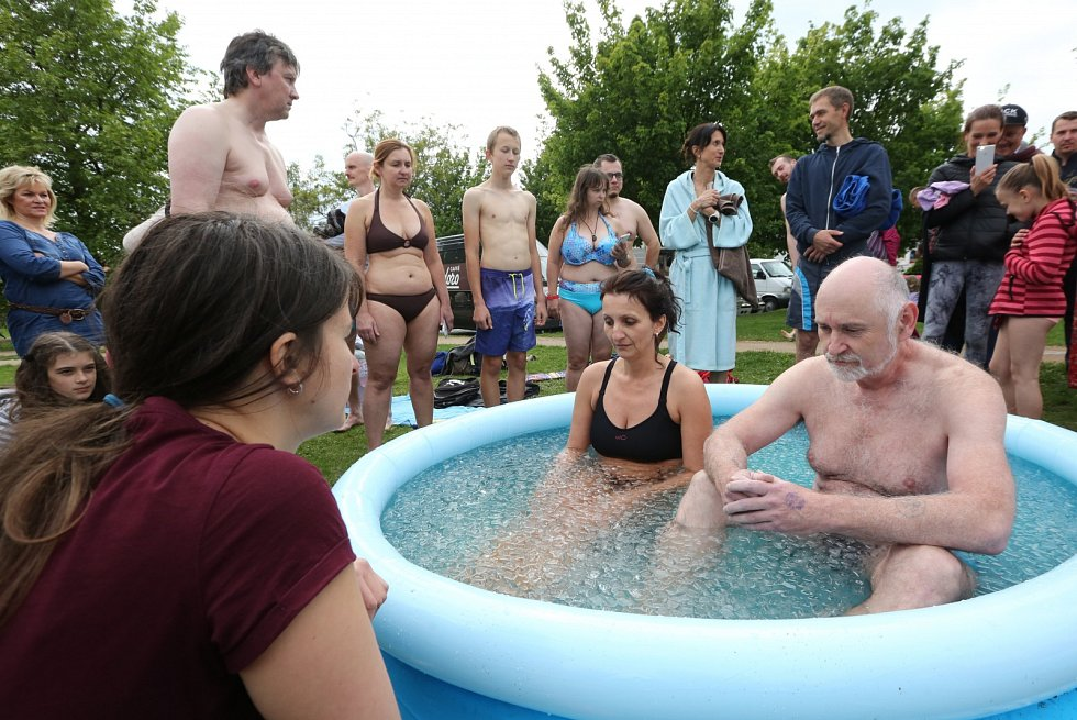 Součástí litoměřického Allfestu 2019 byla i ledová koupel