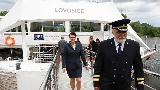 """Nedávno otevřený přístav v Lovosicích má nyní nové """"bratříčky""""."""