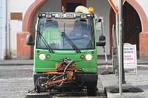 První úklid ulic v Litoměřicích v roce 2012, neděle 1. dubna.