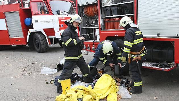 Námětové cvičení hasičů v Roudnici.