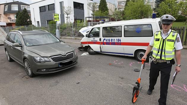 Dopravní nehoda v ulici Březinova cesta v Litoměřicích.