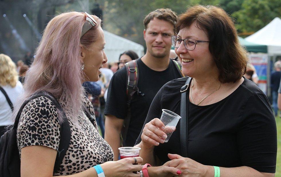 Roudnické vinobraní, koncert skupin Slza a Wohnout.