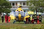 V Lovosicích auto srazilo mladou dívku. Vrtulník ji transportoval do ústecké nemocnice