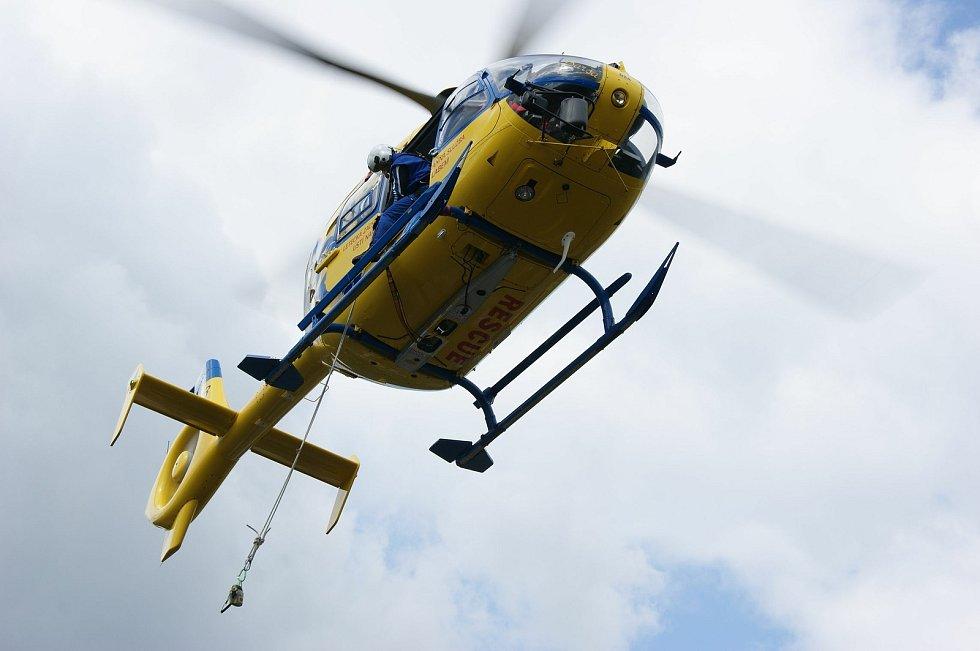 Záchranářský vrtulník.