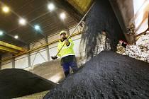 Ve středu 13. prosince přijel poslední kamion z litvínovské firmy Celio s ostravskými kaly, které cementárna dnes spálí.