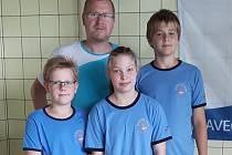 NEJMLADŠÍ LITOMĚŘIČTÍ plavci se neztratili ani v konkurenci nejlepších českých nadějí. Přivezli si medaile z Pohárů ČR.