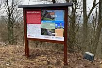 Čtyři nové informační tabule přibyly v uplynulých dnech v oblasti Úštěcka na Bukové hoře