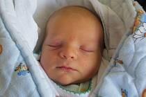 Anežce Kadeřábkové a Petru Guthovi z Litoměřic se 10.6. v 16.01 hodin narodil v Litoměřicích syn Matěj Kadeřábek (48 cm, 3,08 kg).