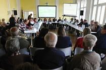 Poslední zasedání současného zastupitelstva v Lovosicích