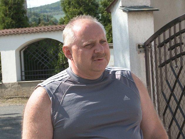 Přepadený Jaroslav Papoušek.