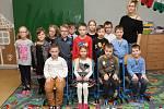 Prvňáčci ze Základní školy ve Velemíně.